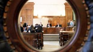 Mécontent d'une décision du tribunal, un Liégeois terrorise ses adversaires à coups de lancer d'explosifs sur leurs maisons