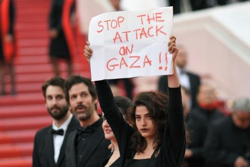 L'actrice libanaise Manal Issa soutient Gaza sur le tapis rouge cannois