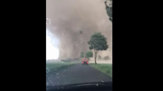 Cette tornade impressionnante s'est abattue hier soir à 50 km de la frontière belge et a tout ravagé sur son passage (vidéo)