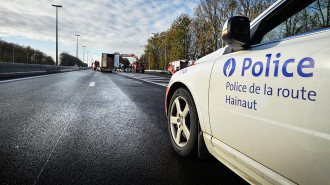 La police poursuit des migrants, une fillette tuée — Belgique