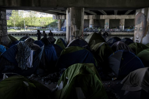 A Paris, le plus gros campement de migrants