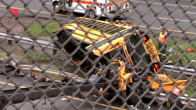 Etats-Unis: un accident de car scolaire fait 2 morts et des dizaines de blessés