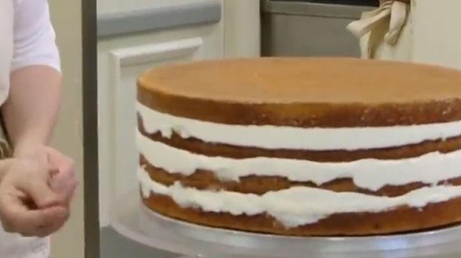 Mariage de Harry et Meghan J-1: les chiffres INCROYABLES du gâteau qui est en cours de préparation (vidéo)