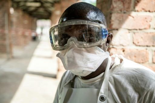 Ebola en RDC: des habitants en colère, la décision de l'OMS attendue