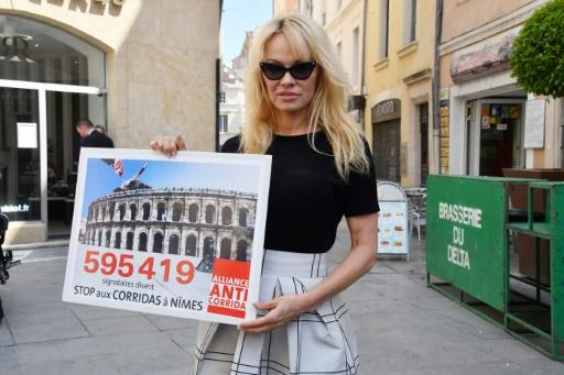 A Nîmes, Pamela Anderson dit