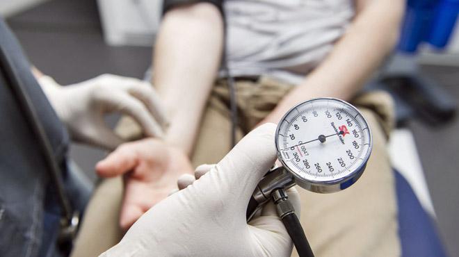Les Belges adorent les essais cliniques, qui leur font gagner 180€ NET PAR JOUR: mais sont-ils dangereux pour leur santé ?