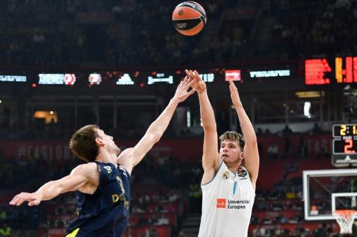 Basket: le Real Madrid champion d'Europe avec un grand Fabien Causeur