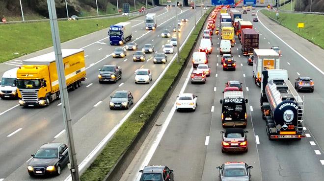 Terrible accident sur le Ring de Mons: un conducteur fantôme provoque la mort d'un homme