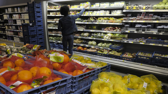 Pourquoi les produits des supermarchés coûtent plus cher en Belgique que dans nos pays voisins?