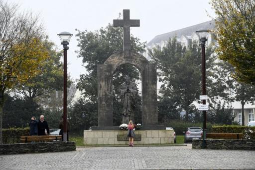 Ploërmel: début des travaux en vue du déplacement de la statue de Jean-Paul II