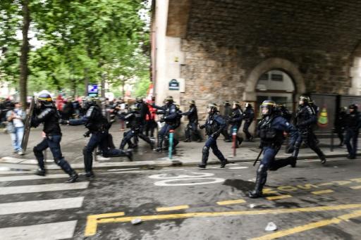 Manifestation à Paris: echauffourées avec des forces de l'ordre, sept interpellations