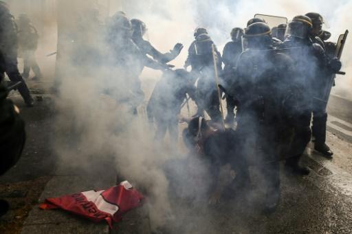 Manifestation à Paris: 125 personnes toujours en garde à vue