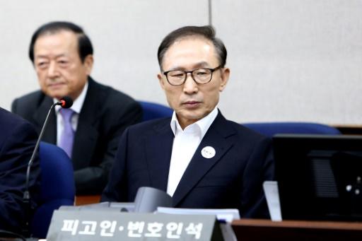 L'ex-président sud-coréen Lee se dit insulté par les accusations de corruption