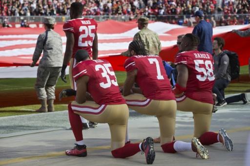 Football américain: respectez l'hymne ou restez dans les vestiaires, décide la NFL