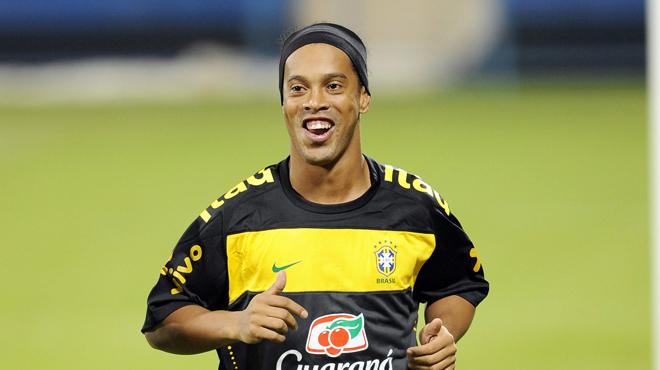 PSG, FC Barcelone : Deux femmes, un mariage, c'en est trop pour Ronaldinho