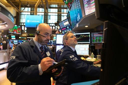 Wall Street ouvre en baisse, l'inquiétude sur le commerce demeure