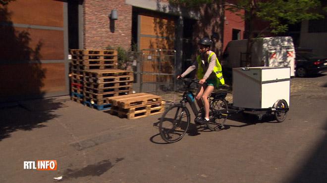 Les transports de marchandises à vélo en plein boom à Bruxelles: 60 tonnes de colis sont livrés chaque mois
