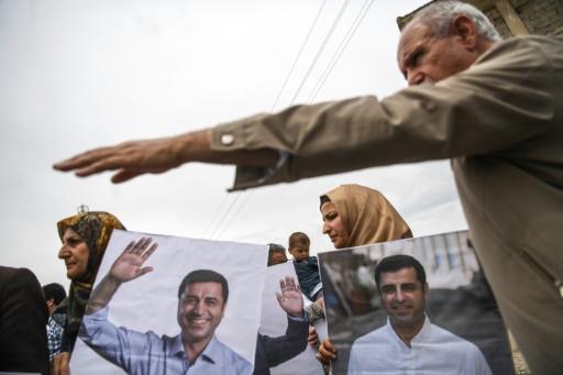 Turquie: le parti prokurde demande à la cour constitutionnelle de libérer Demirtas