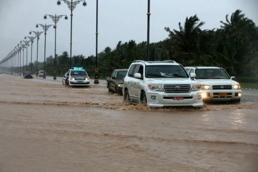 Le cyclone Mekunu frappe la côte sud d'Oman, une adolescente tuée