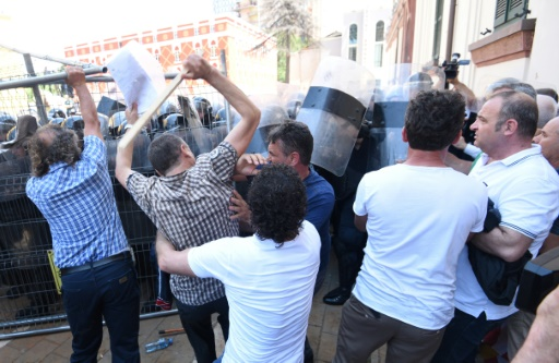 Albanie: 11 policiers et un journaliste blessés lors d'une manifestation de l'opposition