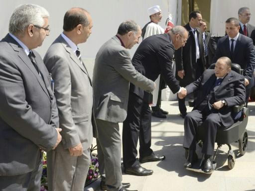 Algérie: des politiques et des intellectuels appellent Bouteflika à