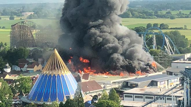L'Europa-Park rouvre déjà ses portes au lendemain d'un violent incendie (photos)