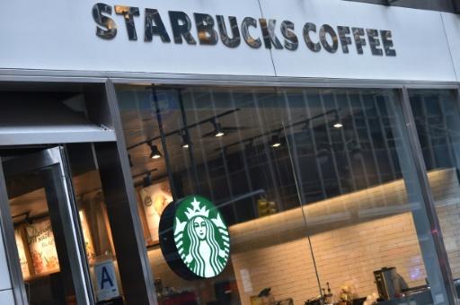 Former ses employés contre le racisme: Starbucks tente de montrer l'exemple