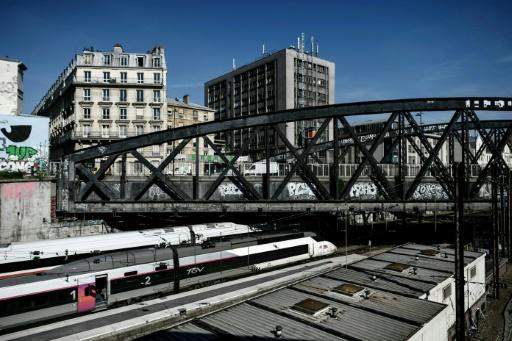 Grève SNCF: 2 TGV sur 3, un TER et Intercités sur 2 mardi