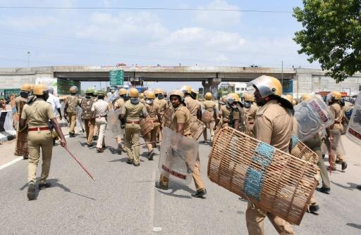 Inde : les autorités ordonnent la fermeture d'une usine après de sanglantes manifestations