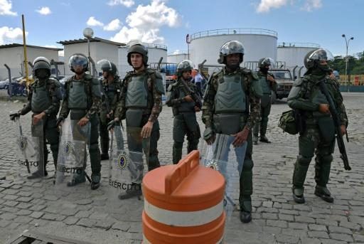 Grève des routiers au Brésil: le pays toujours paralysé malgré les concessions du président