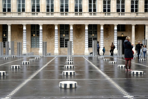 France: Daniel Buren fait retirer une oeuvre de street art du centre de Paris