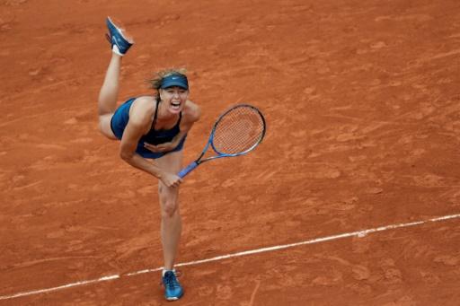 Roland-Garros: Sharapova passe au 2e tour après une grosse frayeur pour son retour