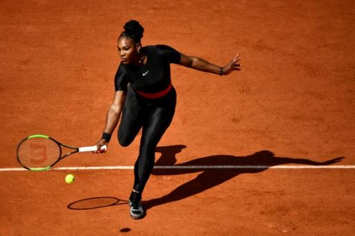 Roland-Garros: Serena porte une tenue de