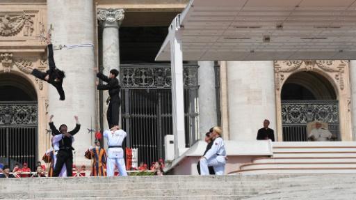 Petite leçon de taekwondo pour le pape François