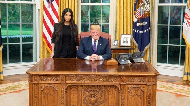 Kim Kardashian West arrive à la Maison Blanche — La Dernière