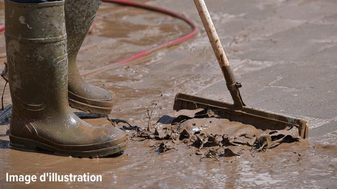 Fortes pluies dans la région de Tournai ce jeudi matin: coulées de boue, caves et routes inondées