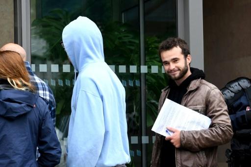 Aide aux migrants: procès à Gap renvoyé, contrôle judiciaire des prévenus levé