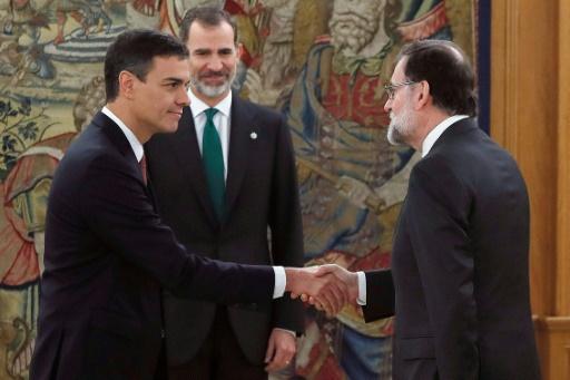 En Catalogne, Rajoy parti, timide espoir de détente