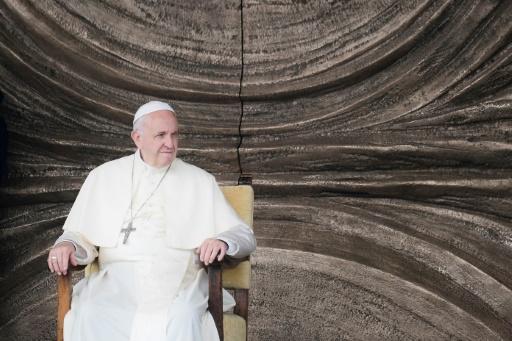 Le pape reçoit d'autres victimes d'un prêtre chilien pédophile