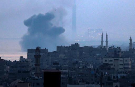 Tirs de roquettes sur Israël et frappes israéliennes sur Gaza