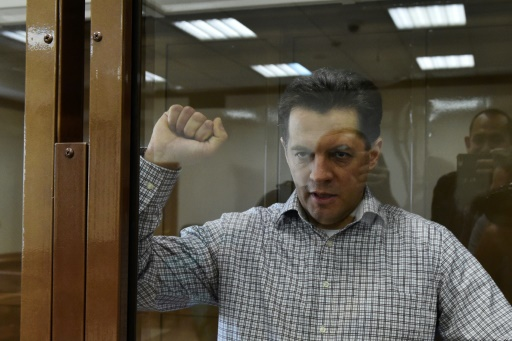 Russie: un journaliste ukrainien condamné à 12 ans de camp pour espionnage