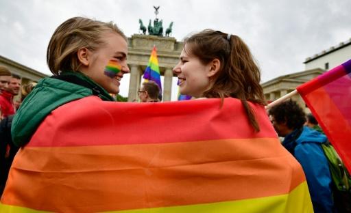 Le conjoint homosexuel d'un Européen a le droit de séjour partout dans l'UE