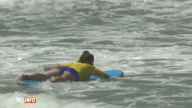 Être surfeuse au Maroc: contre les préjugés, les femmes montent sur les planches