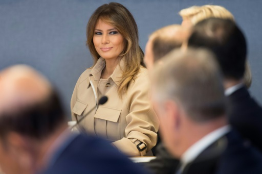 Melania Trump réapparaît en public après plusieurs semaines d'absence