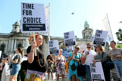 Avortement en Irlande du Nord: la Cour suprême refuse de trancher pour raisons de procédure