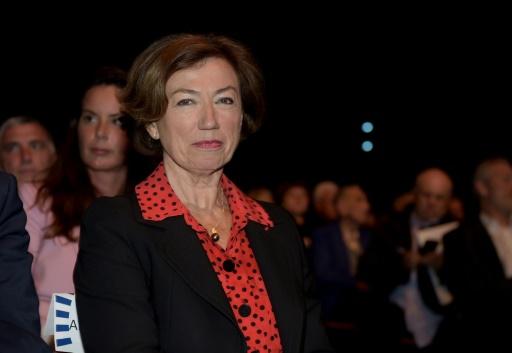 Air France: la présidente promet des