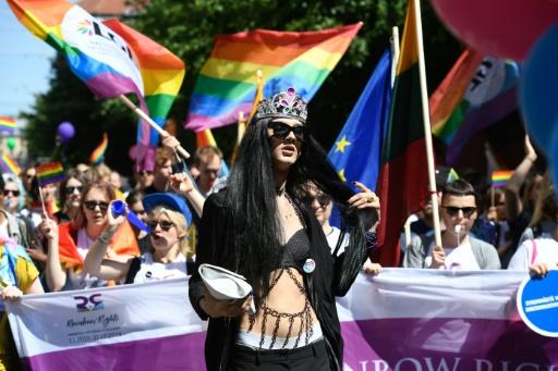 Parades arc-en-ciel pour les droits des personnes LGBT en Europe de l'Est