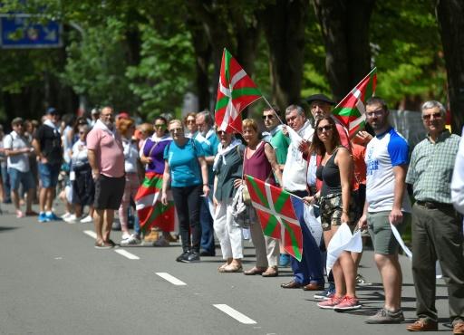 Chaîne humaine de 202 km au Pays basque pour l'autodétermination