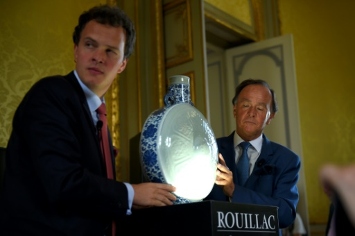 Une gourde chinoise du XVIIIe siècle vendue 4,1 M EUR aux enchères près de Tours