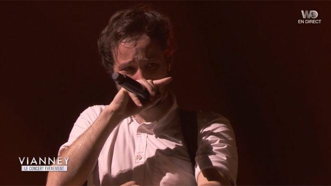 Vianney: ému aux larmes lors de son concert à l'AccorHotels Arena